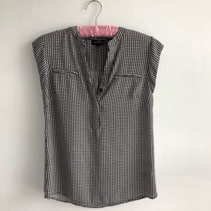 The Limited Houndstooth Printed Blouse